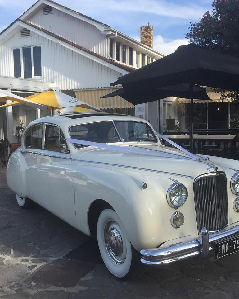 Chauffeured Wedding Car Hire Melbourne